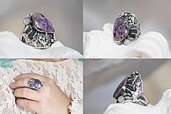 Prstene - Strieborný prsteň s čaroitom, grape chalcedónom a mesačným kameňom - Lesné tajomstvo - 10017721_