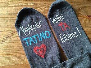 Obuv - Maľované ponožky pre najlepšieho ocka/mamku (Na tmavošedých ponožkách) - 10019774_