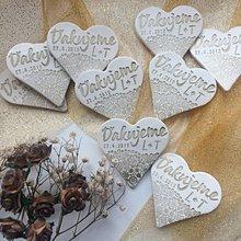 Darčeky pre svadobčanov - Keramické srdiečka s poďakovaním, iniciálami a dátumom - 10016927_