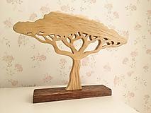 Vyrezávaný dubový stromček baobab
