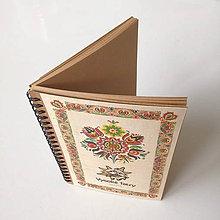 Drobnosti - Drevený zápisník s ľudovým motívom - 10022496_
