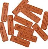 NT101 Kožená nášivka HANDMADE mix 5 x 1,5 cm