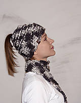Čiapky - Hačkovaná čiapka sivá pre dlhé vlasy - 10021458_