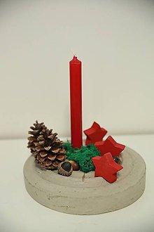 Svietidlá a sviečky - vianočná dekorácia na stôl - 10020741_