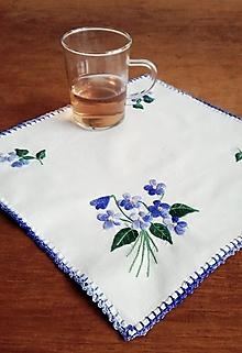Úžitkový textil - Vyšívané prestieranie - fialky - 10023349_
