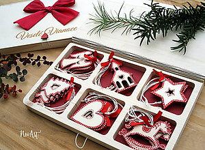 Dekorácie - Drevené vianočné ozdoby - Červená folklórna kolekcia 2 - 10025210_