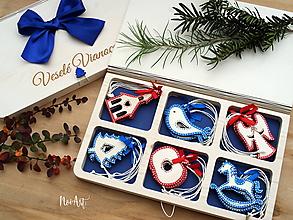 Dekorácie - Drevené vianočné ozdoby - Slovensko II., červeno-modrá folklórna kolekcia - 10027907_