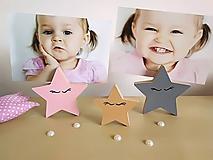 Detské doplnky - Stojan na fotku HVIEZDY (hviezda s menom 1ks) - 10025241_