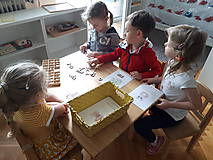 Hračky - Kreatívne písmenká ABECEDA – tvorenie prvých slov - 10025860_