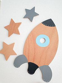 Detské doplnky - Veľká drevená RAKETA na stenu - 10026774_