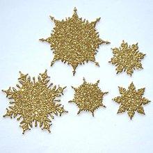 Materiál ručne robený - Snehové vločky, výrezy 2 Zlatá antická glitrovaná 5 ks - 10026764_