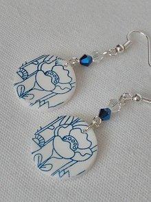 Náušnice - náušnice biele s modrými kvietkami - 10028124_