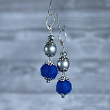 Chutné chlpaté balbuľky - náušnice, tmavo modrá, perleť, striebro