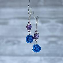 Náušnice - Ružičky polymér - náušnice, prírodný kameň onyx, tmavo modrá, fialová, striebro - 10025274_