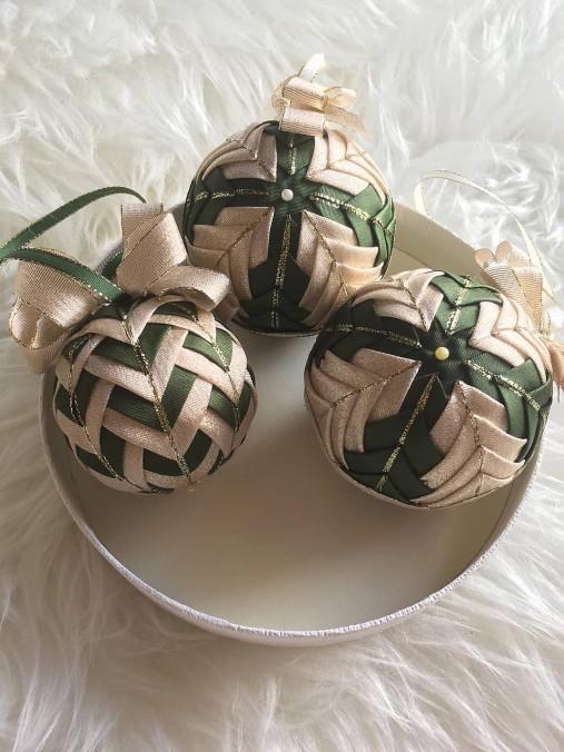 9b6725e71 Vianočné gule - falošný patchwork (zelená, zlatá) / silvi.k - SAShE ...