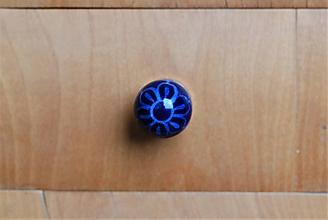 Komponenty - Úchytka modrá s kvietkom - 10028903_