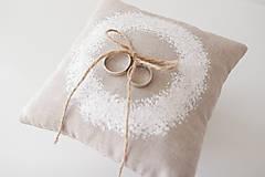 Prstene - Svadobný vankúšik biely maľovaný venček - 10026648_