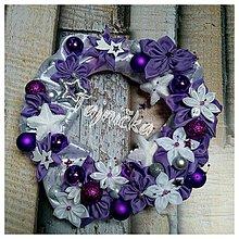 Dekorácie - Fialový vianočný veniec na dvere - 10031687_