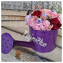 Dekorácie - Dekorácia krhla plná ruží - 10031866_