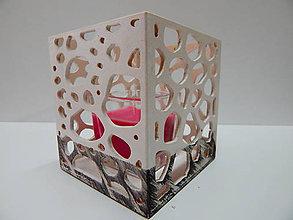 Svietidlá a sviečky - Svietnik s ornamentami (Biela - čierna patyna) - 10030004_