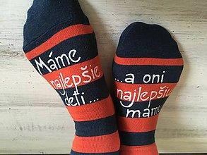 Obuv - Maľované pásikavé ponožky pre najlepšiu mamku najlepších deti - 10032360_