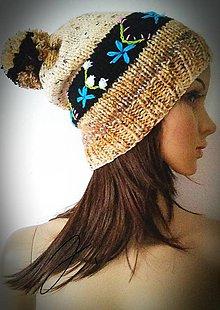 Čiapky - Vyšívaná čiapka - hnedá - 10032881_