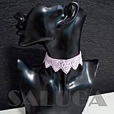Náhrdelníky - CHOKER náhrdelník - ružový - čipkovaný - srdcia - folk - 10034007_