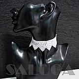 Náhrdelníky - CHOKER náhrdelník - biely - čipkovaný - srdcia - folk - 10034012_