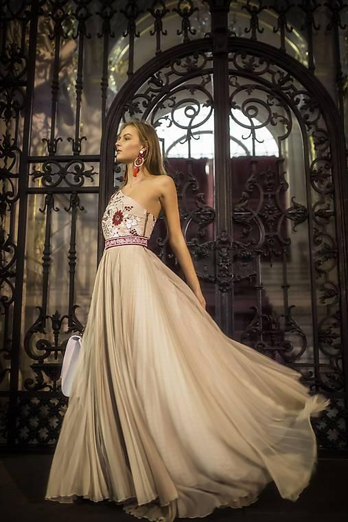 Plisované šaty Poľana