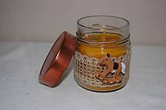 Svietidlá a sviečky - Sviečka z včelieho vosku v sklenenom pohári (s koníkom) - 10035508_