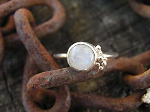 Prstene - Strieborny prsteň Ag925 Mesačný kameň - 10033328_
