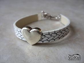 Náramky - Kožený náramok - srdce (Biela) - 10038982  5234494a25a