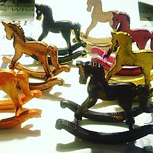 Dekorácie - Koník pri nákupe nad 30 eur za 0,10 centov - 10038298_