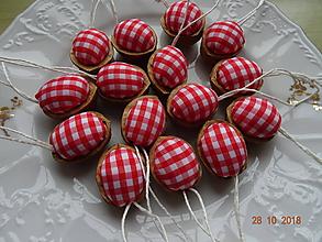 Dekorácie - Oriešky - chalupárske červené - 10036787_