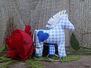 Drobnosti - Prívesok na kľúče - modrý károvaný koník - 10039797_