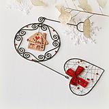 Dekorácie - vianočná dekorácia s domčekom a srdiečkom - 10040760_