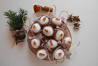 Dekorácie - vianočné oriešky s vôňou pomaranča (10 ks) - 10041607_