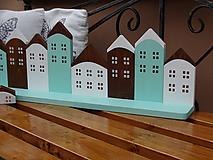 Nábytok - Drevená domčeková polica - 10040610_