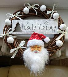 Dekorácie - Vianočný veniec Dedo mráz - 10042124_