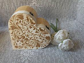 Darčeky pre svadobčanov - Krabička srdíčko velké s reliéfem - 10043394_