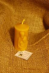 Svietidlá a sviečky - Sviečka z včelieho vosku Sv. rodina - 10041885_