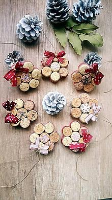 Dekorácie - Vianočné ozbody z korku - 10041016_