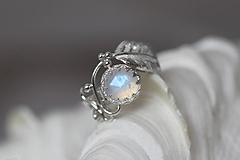 Prstene - Strieborný anjelský prsteň s mesačným kameňom - S Tebou - 10045223_