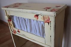 Nábytok - romantické nočné stolíky