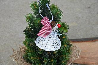 Dekorácie - Vianočný zvonček na stromček v tradičných farbách - 10045926_