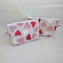 Taštičky - Kozmetická taška srdiečka - 10052643_