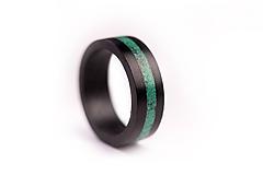 Prstene - Drevený prsteň EBEN & Malachite - 10049995_