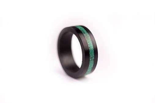 Drevený prsteň EBEN & Malachite