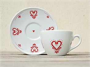 Nádoby - Porcelánová šálka s podšálkou na kávu - Srdiečko folk (200 ml) - 10052407_