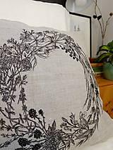 Úžitkový textil - Ľanový vankúš - ručne maľovaná perokresba - 10051005_
